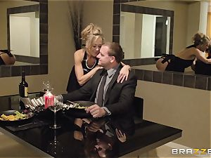 The husband of Brandi love lets her fuck a different stud