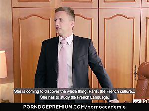 porno ACADEMIE Lana Rhoades likes pulverizing French cock