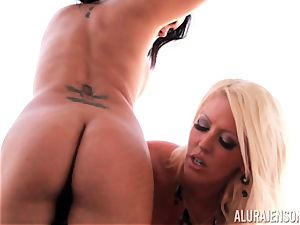 Alura Jenson trains her pal to slurp on minge