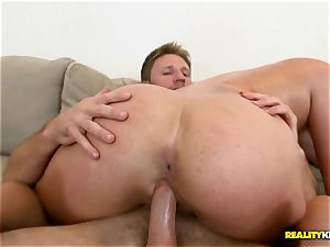 Layna Landry tears up her beaver down on his throbbing inches