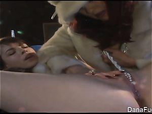 Dana DeArmond gets her snatch played with