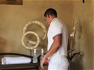 special Nina Elle massage and wonderful extras