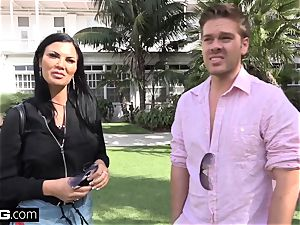 Jasmine Jae brings her boy plaything along for a pov nailing