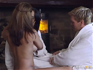 thick breasted threeway with Anissa Kate and Peta Jensen