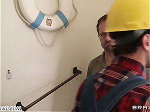 worker pokes his big-boobed customer Ava Addams