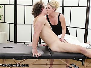 cougar India Summer paws Her nubile kick