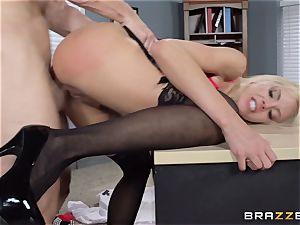 super-hot chief Nina Elle tempts her worker