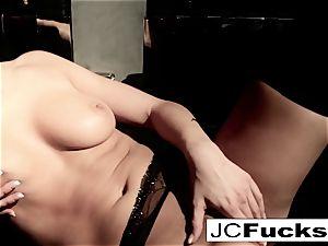 An artful view into how Jayden Cole makes herself jizz