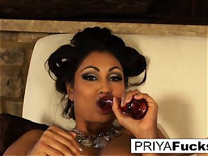 Indian milf Priya teases then pleases her sumptuous raw hole
