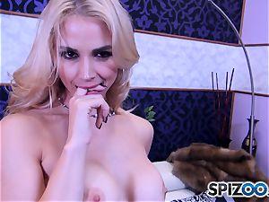Sarah Vandella throating and porking a phat spunk-pump