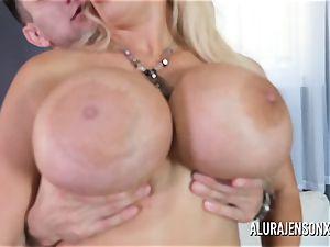 thick tit mummy Alura Jenson enjoys ravaging younger guys