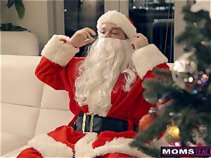 Santa's nasty Helpers In Christmas three way S9:E7