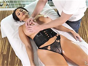 big bum chesty cougar Ava Addams gets her greased gash boned