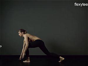 FlexyTeens - Zina displays lithe bare figure