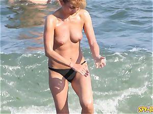 hot bra-less fledgling milfs voyeur Close-up Beach vids