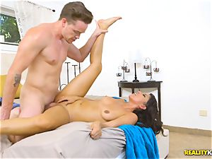 kinky real estate agent Sophia Leone inserts a customers man meat in her gullet