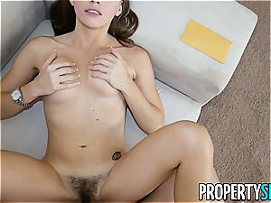 cool Skye West makes her client's man sausage feel good