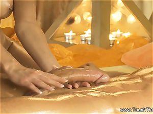 Twisty palm mobility massage