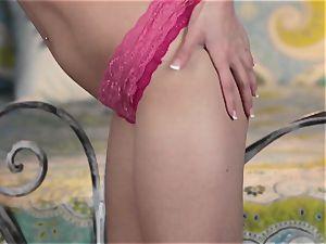 super-hot Lexi Bloom looks cool in pink underwear