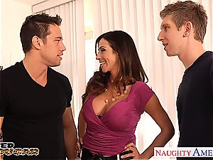 cougar Ariella Ferrera needs 2 dicks to fuck her properly