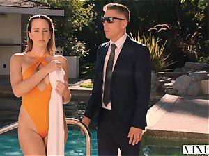 VIXEN Brett Rossi luvs To Get predominated By A humungous bone