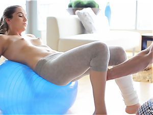 Kasey Warner undresses off her yoga pants and penetrates