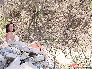 Peta Jensen - first-timer porno with unacquainted fellows outdoor