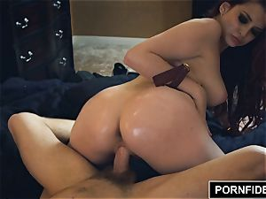 PORNFIDELITY Amber Ivy jaws boinked and Creampied