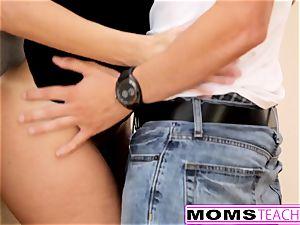 MomsTeachSex - kinky Step mummy plumbs sonnie