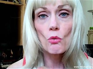 2 lollipops For inexperienced GILF mother
