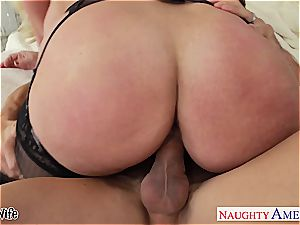 chesty blond wife Alura Jenson gives boob banging