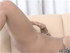 Daphne Klyde wanks and plays with a dildo