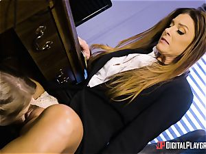India Summers and Sunny Lane fuckbox scissoring act in the office
