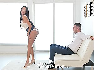 Anissa Kate gets a supreme buttfuck creampie